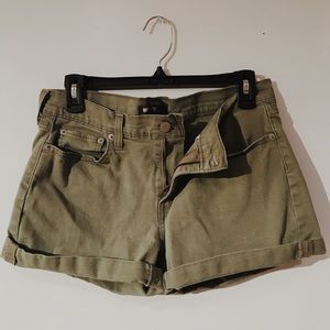 Levi's shorts ✨